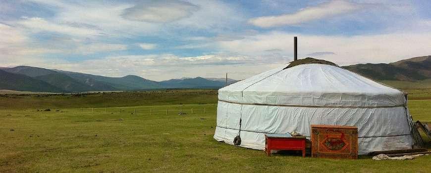 Visto Mongolia - Panoramica con yurta