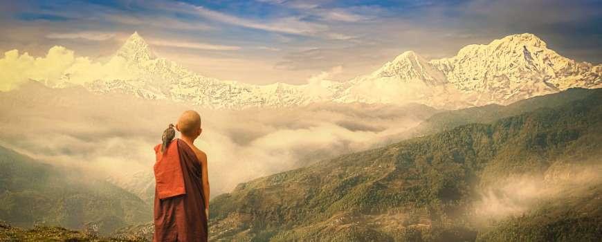 Visto Nepal - Panoramica con giovane monaco
